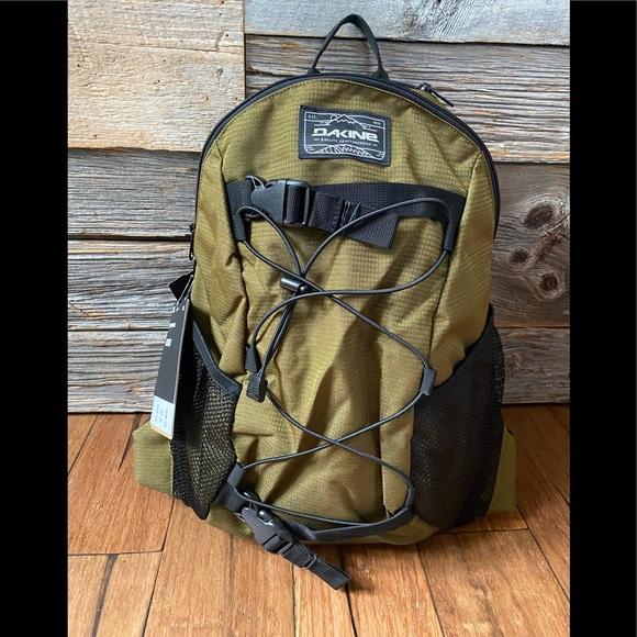 Dakine Other - Dakine Wonder 15L Slim Backpack 🎒 - NWT
